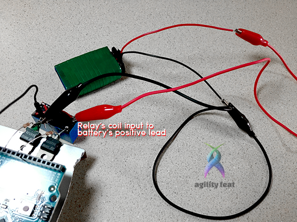 Picture showing how to connect battery to reversible relay switch